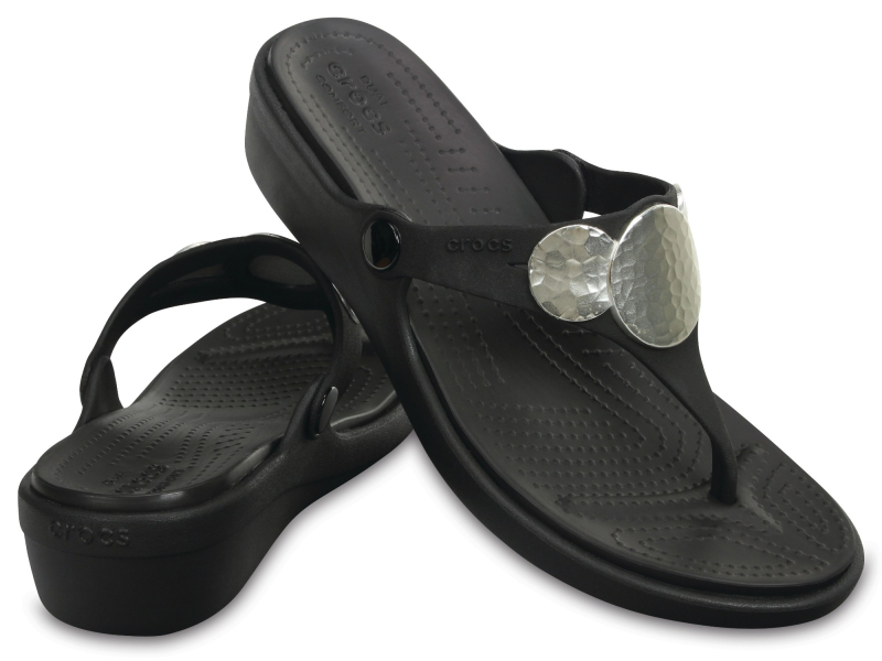 Crocs™ SANRAH EMBELLISHED WEDGE FLIP Black/Silver Metallic